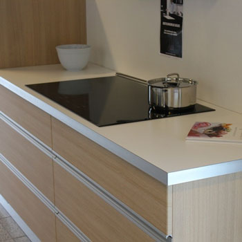 Billige bordplader og køkkenskabe i top kvalitet - til private og ...